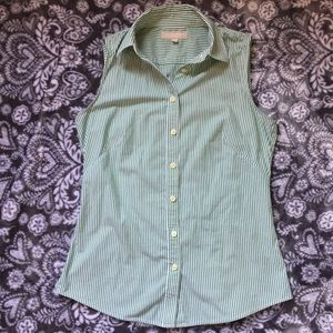 Banana republic sleeveless button down no iron top
